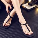 [READY STOCK] Black Shoes Slippers Flip Flop 沙滩拖鞋人字夹趾罗马凉女鞋平跟黑色