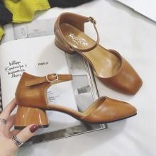 [PRE-ORDER] Women Retro Elegant Buckle High Heels